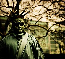 Fake Statue of Liberty by Jonathan Yeo