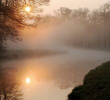 When the sun meets the mist at Groeneveld by jchanders