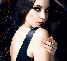 dark beauty by katerinaklio