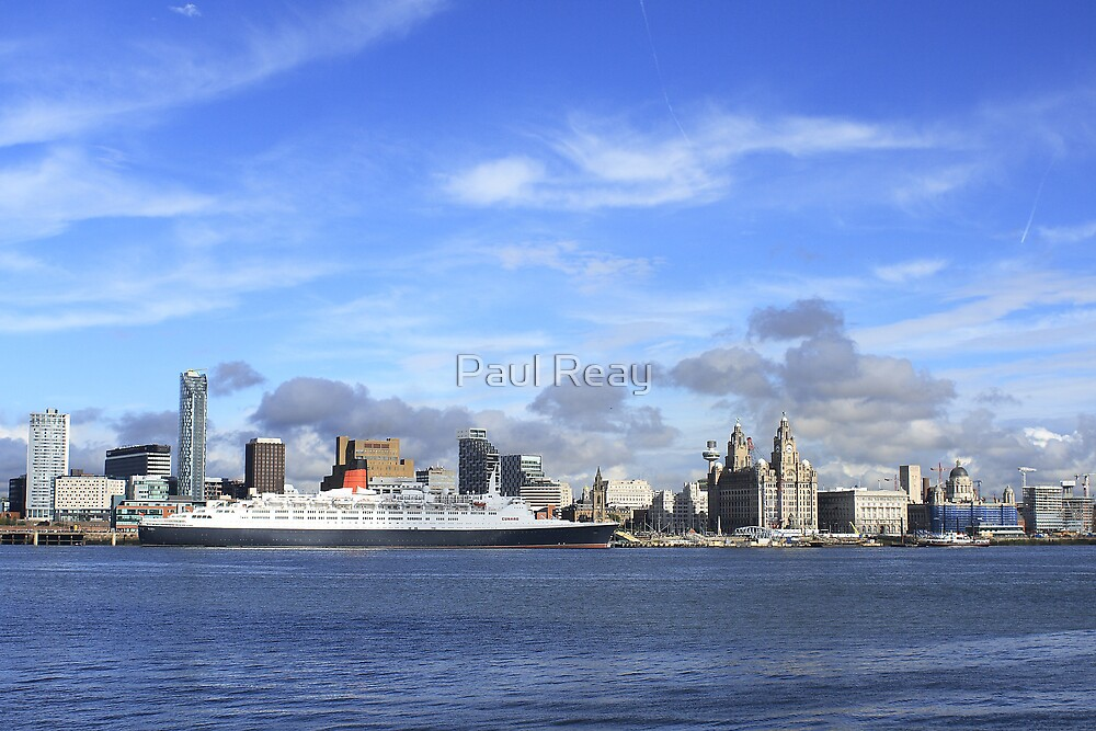 QE2 at Liverpool by Paul Reay