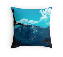 Eagle's habitat Throw Pillow