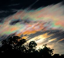 Iridescent Cloud by Ern Mainka