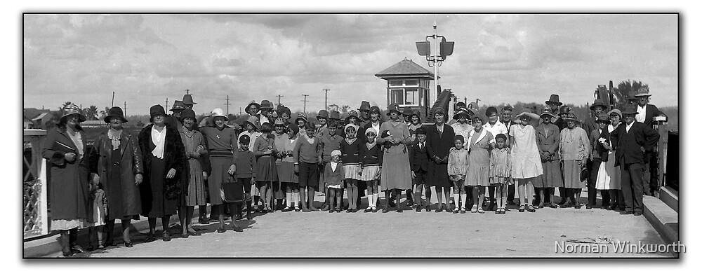 Grafton Bridge Opening day 1932. by Norman Winkworth