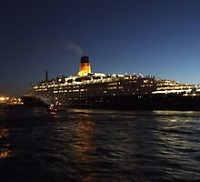 The QE2 by GNagelsztajn