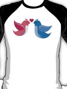 Two cartoon birds in love T-Shirt