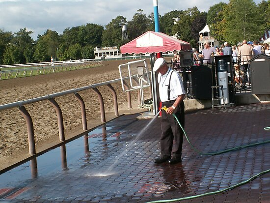Saratoga Winners Circle Early Morning by knucklebuster