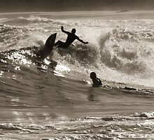 Surfin at Newy by monkeyfoto