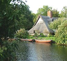 Cottage in Constable Country by InterestingImag