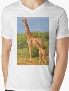 Giraffe Love - Mom is the Best Mens V-Neck T-Shirt