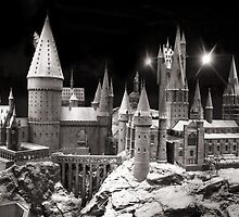 Hogwarts in the snow, is harry potter home by miradorpictures
