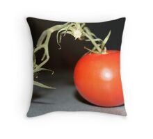 tomato tomahto Throw Pillow