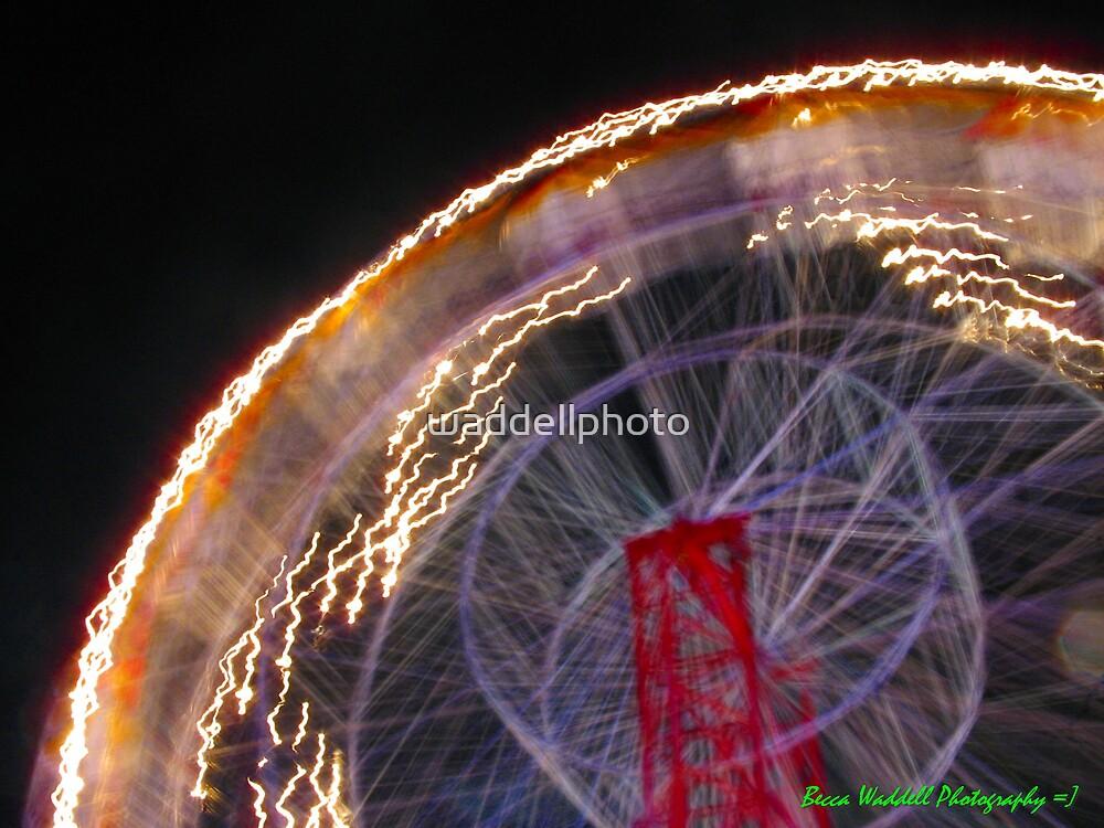 Ferris Wheel by waddellphoto