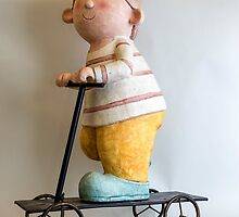 Gnome riding a scooter by JJFarquitectos