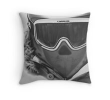 Time for the mountain... Throw Pillow
