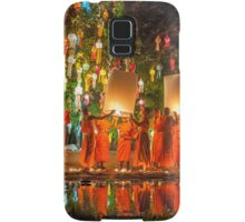 Monks releasing paper Chinese lantern at loy krathong festival of light  Samsung Galaxy Case/Skin