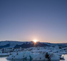Jökulsárlón Sunset by George Wheelhouse