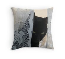 Beignet (Ben-yay) Throw Pillow