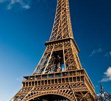 Le Tour Eiffel by Andrew Robertson