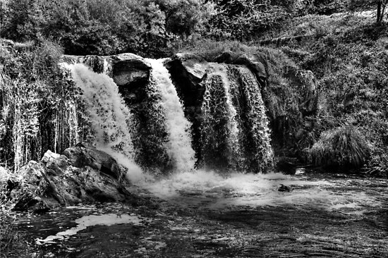Narracan Waterfall BW by DavidsArt