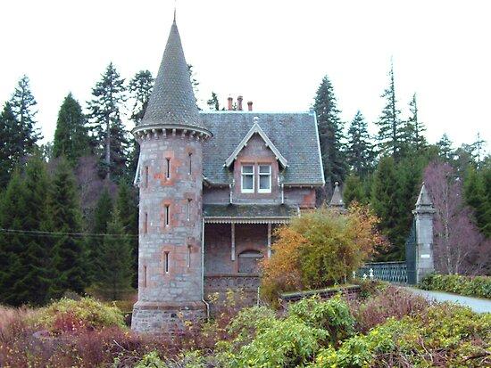 Gatehouse by Tom Gomez