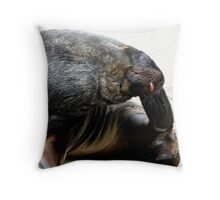 Oh that feels so, so good! - Sea Lion - Rapoka - Dunedin Throw Pillow