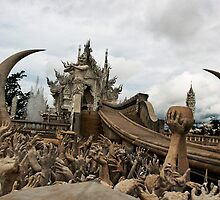 Wat Rong Khun by Paul Clarke