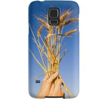 Ripe wheat stalks on a blue sky background  Samsung Galaxy Case/Skin