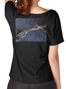 The death kiss of two birds Women's Relaxed Fit T-Shirt