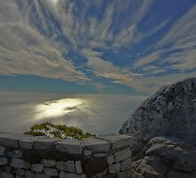 Evening Clouds over Table Top Mountain  by PDP1