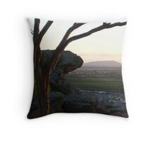 scenic hill Throw Pillow