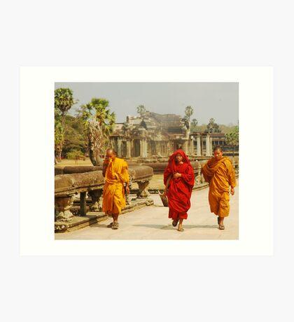 monks at angkork wat Art Print