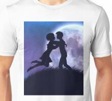 Couple silhouette in the night Unisex T-Shirt