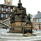 Linlithgow Cross by Tom Gomez