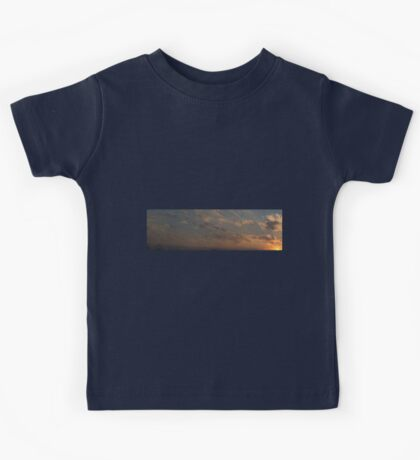 HDR Composite - Sunset in Pastel Rays Kids Tee