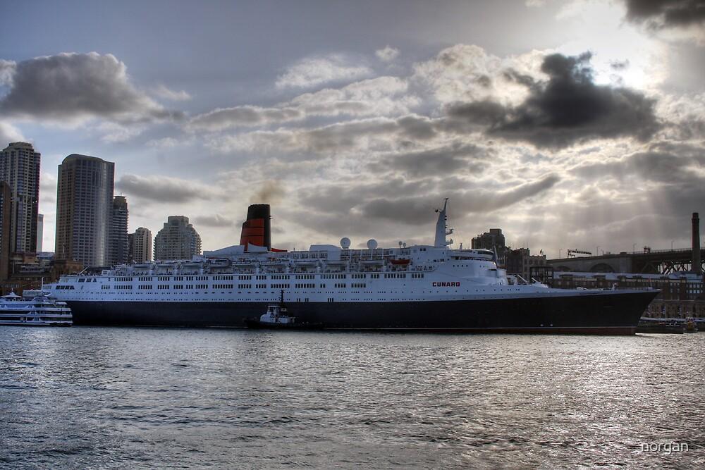 QE II - Leaving Sydney Harbour by norgan
