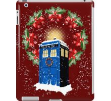A WARM & COMFORTABLE TARDIS IN THE SNOWSTORM  iPad Case/Skin