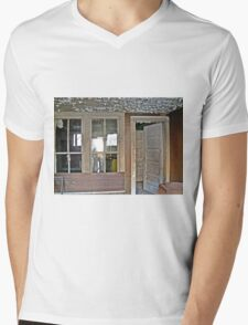 A Nice Recliner Mens V-Neck T-Shirt