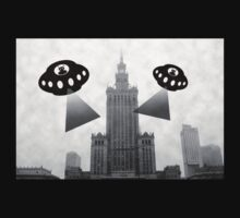 Aliens attack Warsaw by funkyworm