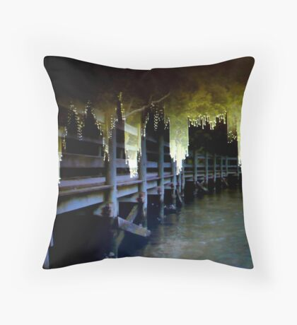 MY WORLD IS BREAKING DOWN.. Throw Pillow