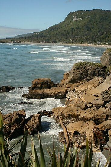 .west coast pancake rocks by Beth Sheil