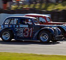 Close Racing by Peter Lawrie