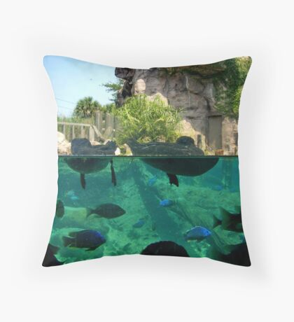 .4 leagues under the sea Throw Pillow