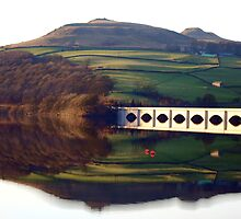 Sun down at Ladybower Res., Derbyshire by Robert Nicholson