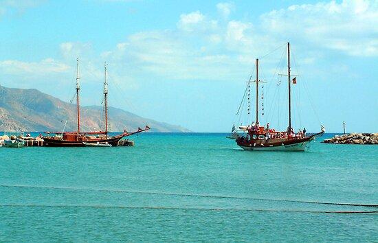 Kardamaina Harbour by Tom Gomez