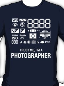 Trust Me, I'M A Photographer T-Shirt
