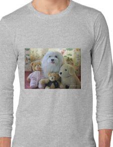 """Snowdrop the Maltese - ""Say Cheese Everyone"" ! Long Sleeve T-Shirt"