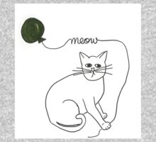 mr. kitty with green balloon Kids Clothes