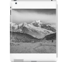 Kanchenjunga and Hikers iPad Case/Skin