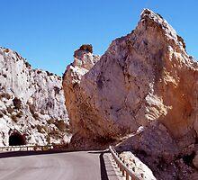 Impressive rocks !  by daffodil