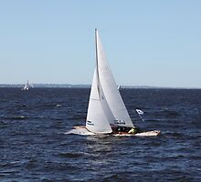 Sailing yacht in motion by mrivserg